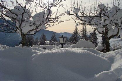 Die Ortschaft Truden im Winter