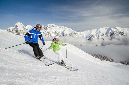 Катание на лыжах в горнолыжном регионе Ладурнс – Колле-Изарко