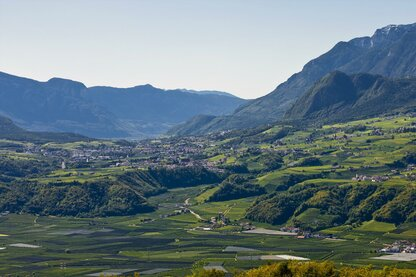Panoramic views over the Eppan holiday region