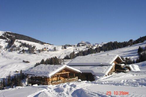 hut Alpe di Siusi, dolomites