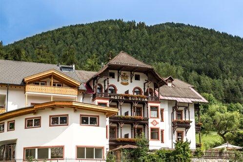 Alpin Hotel Gudrun   Estate