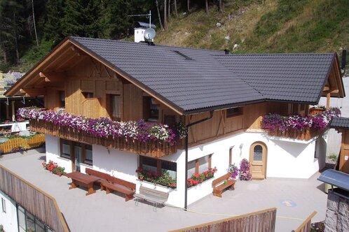 Farm Holiday Hinterprosl-Hof, Val Sarentino/Sarntal Valley, South Tyrol