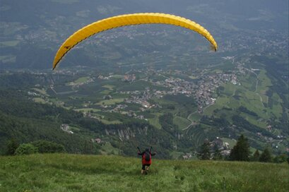 Parapendio a Tirolo