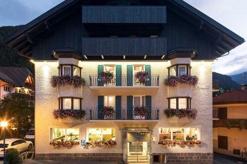 Garni -Hotel Planaces